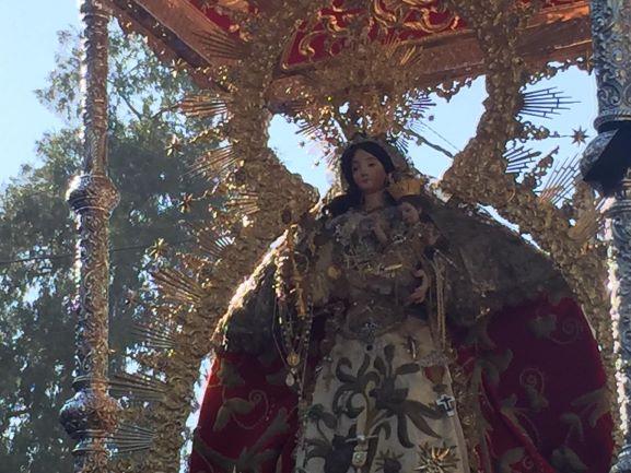 La Virgen de Montemayor procesiona en el día grande de su romería