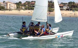 Islantilla fomenta la práctica de los deportes náuticos entre personas con movilidad reducida.