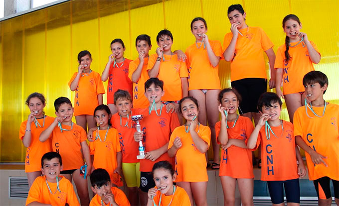 Gran éxito de la cantera del Club Natación Huelva en el programa de La Provincia en Juego