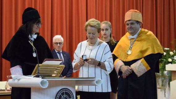 Emotiva y solemne ceremonia en la UHU para la investidura póstuma de José Luis García Palacios como Doctor Honoris Causa