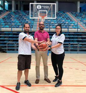 El presidente del Ciudad de Huelva, junto a Álex Ledesma y María Lineros.