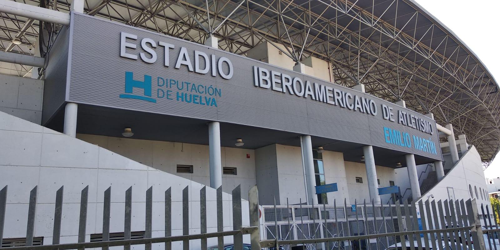 El estadio Iberoamericano de atletismo 'Emilio Martín' albergará la meta de la última etapa de 'La Ruta de las Maravillas de Huelva'.