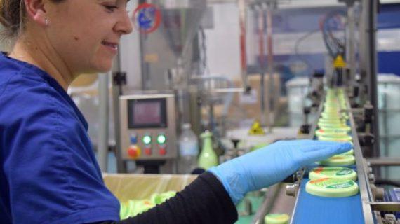 Instituto Español, un referente de la perfumería y cosmética en Europa enclavado en Hinojos