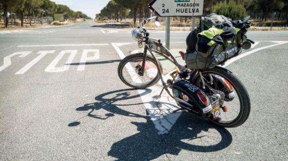 Llega a Huelva Ignacio Luque, paciente con hidradenitis supurativa que está completando cerca de 7.000 km en bicicleta para concienciar sobre la enfermedad