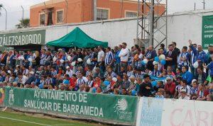 Más de 400 aficionados del Recre se dieron cita en el estadio de El Palmar. / Foto: @recreoficial.