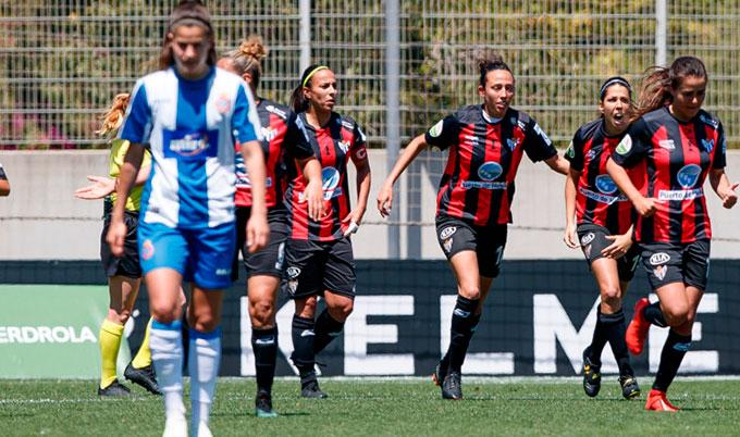 De manera agónica el Sporting pudo celebrar la permanencia, aún perdiendo en Barcelona. / Foto. www.lfp.es.