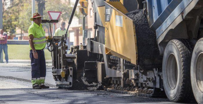Los trabajos de asfaltado se centrarán la próxima semana en el entorno de Isla Chica
