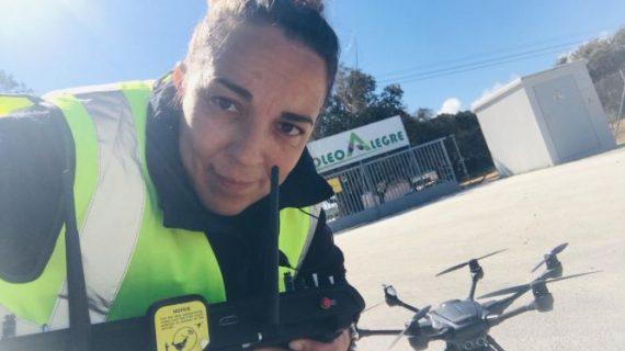 Reconocen a la onubense Blanca Vera, primera mujer piloto oficial de drones de España, por el uso de estos dispositivos con fines solidarios