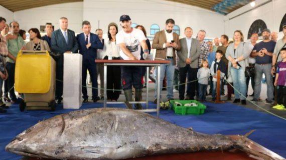 Una exhibición del ronqueo del atún abre la I Muestra de la Caza y de la Pesca de Cartaya