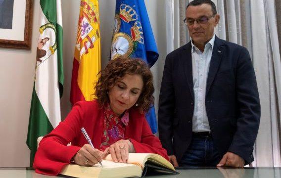 La ministra de Hacienda, María Jesús Montero, visita Huelva