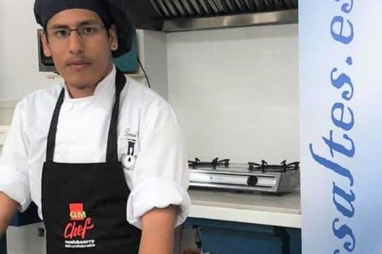 El estudiante del IES Saltés de Punta Leonardo Cervantes participa en un concurso nacional de cocina con un ceviche de gambas al ajillo