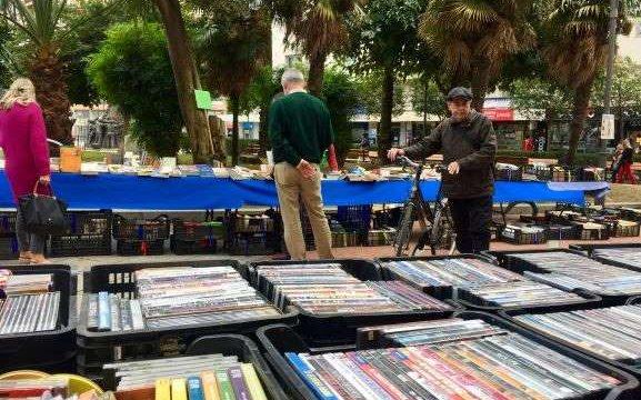 'Ayre Solidario' celebra este sábado el mercadillo a beneficio de las personas refugiadas en la Plaza del Punto