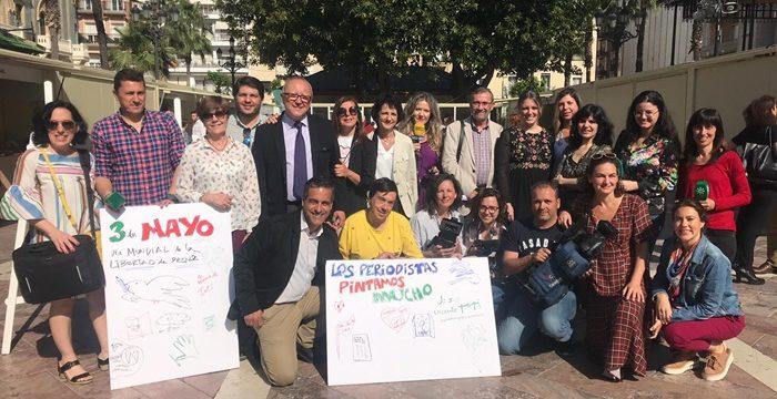 Los periodistas onubenses conmemoran el Día Mundial de la Libertad de Prensa