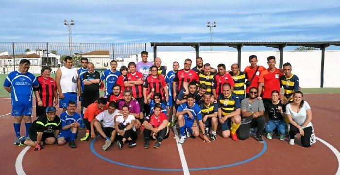 Jóvenes del proyecto Calle 5, Aones Huelva y Aspapronias, juntos por la igualdad en el deporte