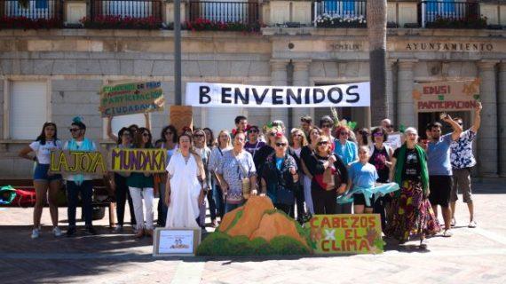 Colectivos onubenses unidos por la defensa del Sistema de Cabezos de Huelva miran a Europa