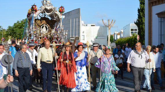 San Juan del Puerto se echa al camino para peregrinar hasta la aldea de El Rocío