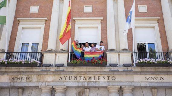 La bandera del Orgullo LGTB ondeará en la fachada consistorial durante toda la semana