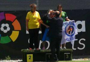 La única representante de Huelva en el Nacional de Arco Estándar, Antonia Infantes, se colgó la medalla de bronce.