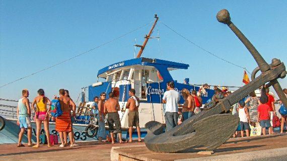 La canoa de Punta Umbría activa este viernes su servicio