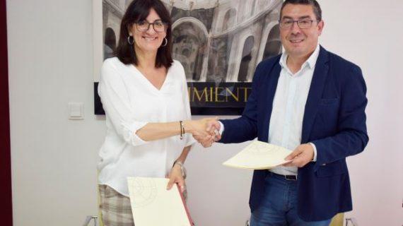 La UHU y Giahsa firman un convenio para desarrollar un proyecto de I+D+i entorno a los datos de la empresa de aguas