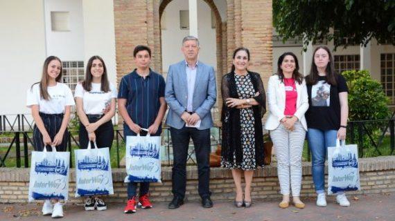 El Ayuntamiento de Palos, con la colaboración de la Fundación Cepsa, beca a los mejores expedientes académicos