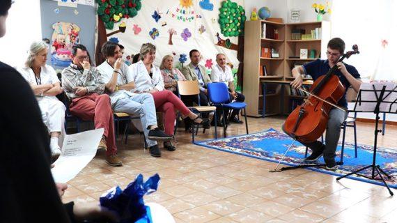 Fiesta de fin de curso en el aula de Salud Mental del Hospital Vázquez Díaz