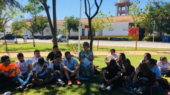 La UHU acoge un curso sobre los beneficios de los `Baños de bosque´ para estudiantes del Grado de Educación Primaria