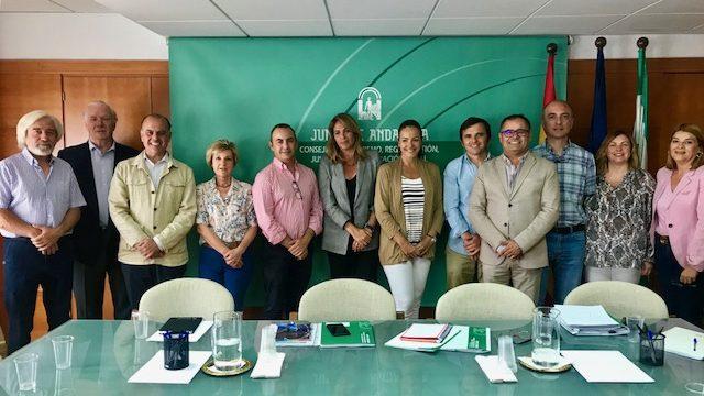 Los Consejos Empresariales de Turismo y de Chiringuitos de la FOE analizan la situación del litoral