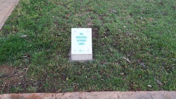 Se colocarán 150 monolitos informativos en parques y jardines de Huelva para incentivar el cuidado de estos espacios