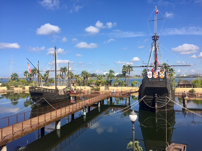 Los cantes de ida y vuelta sobre la gesta colombina llegan al Muelle de las Carabelas en su 25 Aniversario