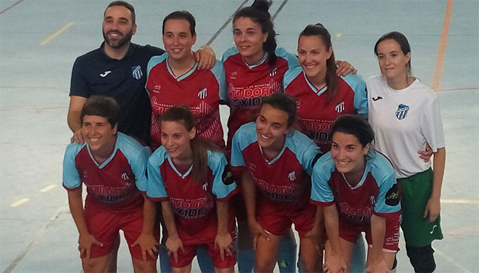 Las chicas del CD Onuba 2014 Autoparts Huelva coronan su sensacional campaña con el ascenso a la Primera Andaluza de fútbol sala