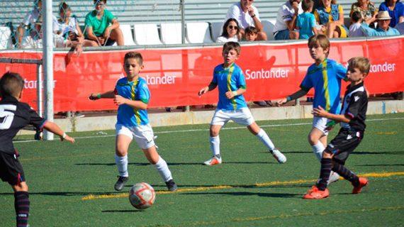 Sevilla, con un doblete, y Málaga, los equipos ganadores de la 'Costa de la Luz Cup Santander' celebrada en Punta Umbría