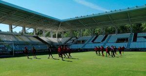 Los jugadores del Recre, durante la sesión de trabajo de este sábado en El Plantío. / Foto: @recreoficial.
