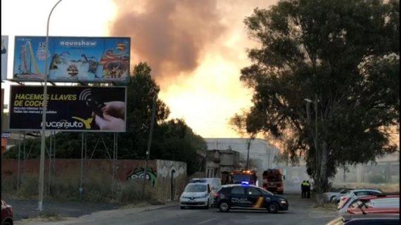 Extinguido un incendio en una vivienda abandonada de la zona del Matadero de Huelva