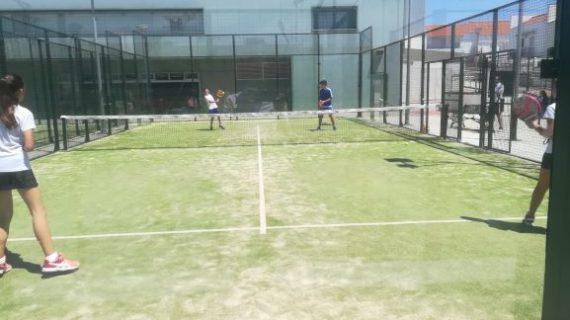 Las clases de pádel y tenis en Aljaraque continúan en verano