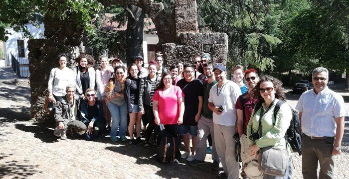 Alumnos procedentes de Canadá y Marruecos, fascinados por el patrimonio de la Peña de Arias Montano