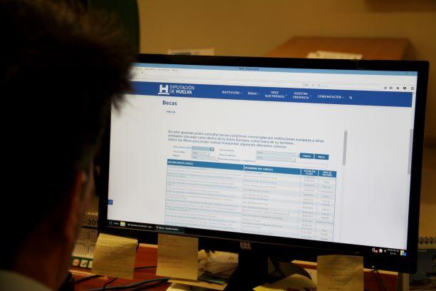 Diputación facilita a través de su web la consulta de las becas en curso tanto nacionales como internacionales