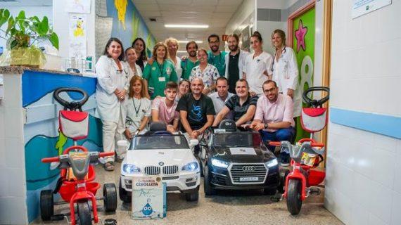 La solidaridad saca la mejor sonrisa a los niños del Área de Pediatría del Hospital Juan Ramón Jiménez