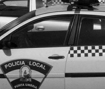 Denunciada una mujer en Punta Umbría tras agredir a su pareja en plena calle