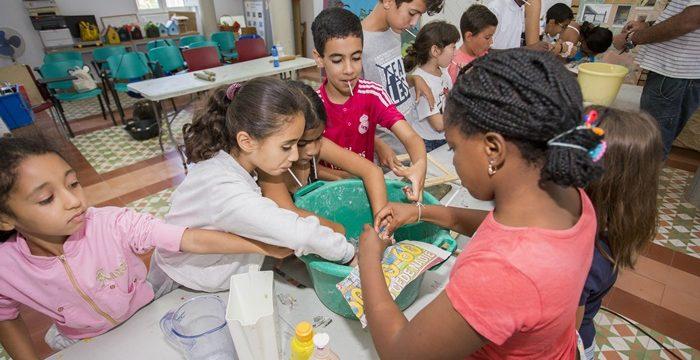 Aprender a reutilizar el papel, objetivo de los talleres de reciclaje del Parque Moret