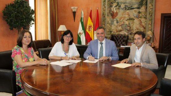 La Universidad de Huelva y el consistorio palmerino firman un convenio para que La Palma sea sede de la Cátedra del Vino