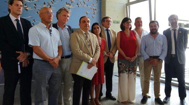 El Puerto de Sevilla visita los laboratorios de la Facultad de Ciencias Experimentales de la UHU