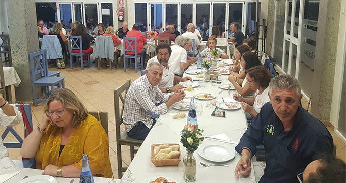 Un total de 11 embarcaciones tomaron parte en la XVII Travesía de cruceros a Isla Canela del Club Deportivo Náutico Punta Umbría