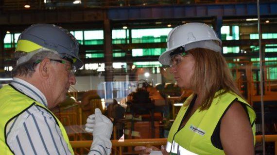 La presidenta de la Autoridad Portuaria de Huelva visita Atlantic Copper