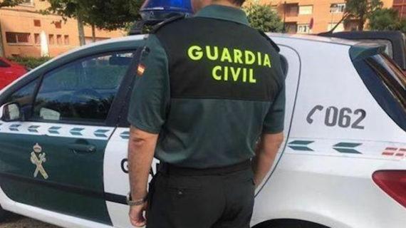 La Guardia Civil rescata a una menor en una vivienda donde se había originado un fuego en Lepe