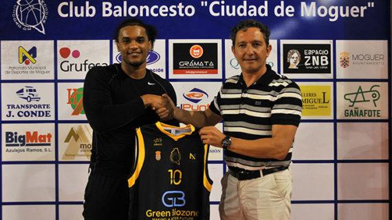 El dominicano Esmerlin Terreros, nuevo jugador del Green Biozone Moguer de la N1 de baloncesto