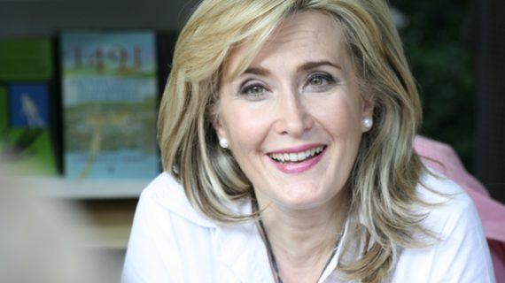 La periodista y escritora Nieves Herrero presenta en Punta Umbría su nueva novela