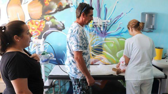 El Equipo de Cuidados Paliativos Pediátricos del Juan Ramón Jiménez atiende a 85 menores en su primer año