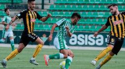 La buena reacción del San Roque de Lepe no se vio premiada en su partido ante el Betis B (3-2)