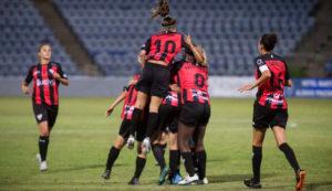 Con la alegría de su triunfo en la Copa Colombina, el Sporting regresó este lunes a los entrenamientos.